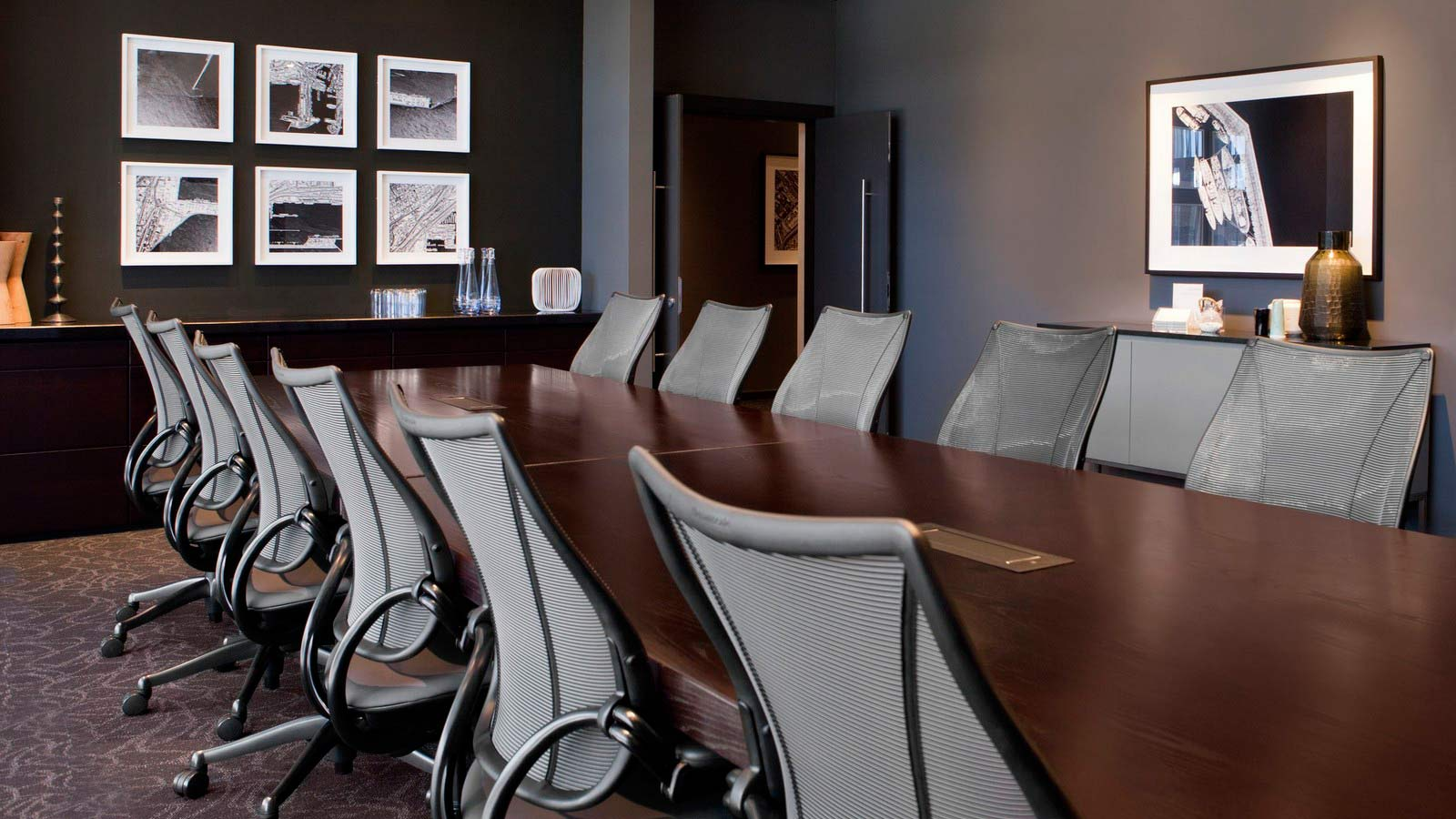 Long executive clutter-free Boardroom